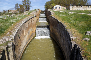 Canal castilla locks in Fromista