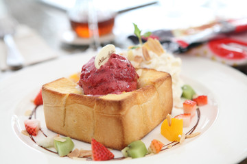 french toast with ice cream and fruit