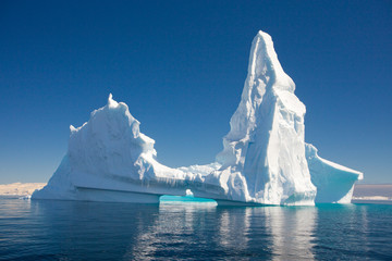 Poster de jardin Antarctique Beautiful Iceberg, Antarctica