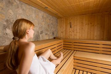 frau fickt in der sauna. Black Bedroom Furniture Sets. Home Design Ideas