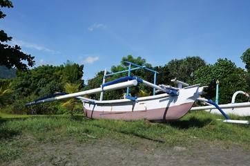 Bateau de pêcheur à Pemuteran au nord de Bali