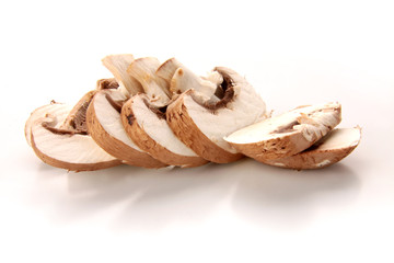 Pilze in Scheiben geschnitten