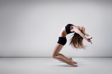 dancing girl, young beautiful woman dancer, studio series