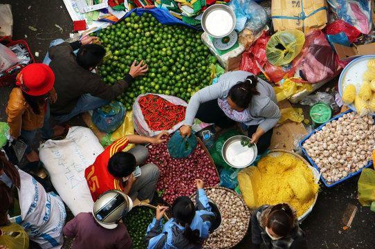outdoor farmers market