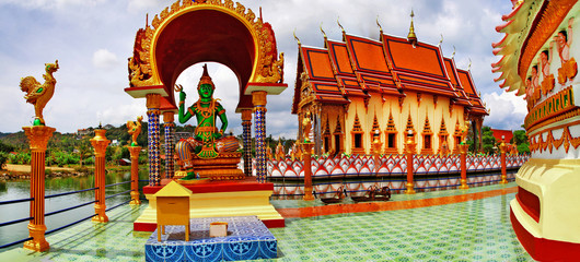 Printed roller blinds Xian .Buddhist temple, panorama of Wat Plai Laem on Samui island. Tha