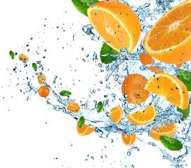 Fotobehang Opspattend water Oranges with water splash