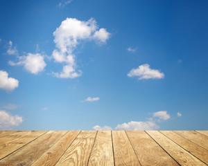 Fototapete - Hintergrund mit Wolken und Holz