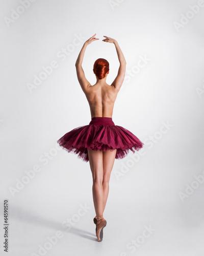 Redhead Dancer 51