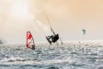 kite & windsurf