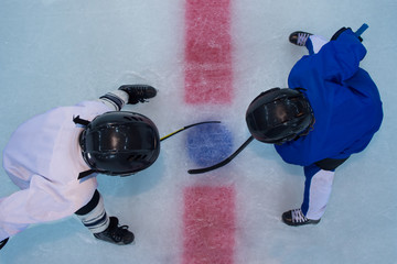 Hockey players on face off