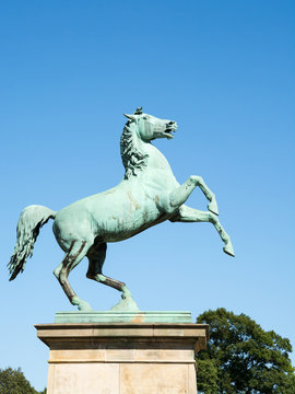 Horse statue at the entrance of the University of Hannover