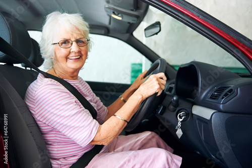britains oldest driving instructor - HD2511×1670