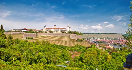 Panorama mit Festung Mairenberg und Würzburger Altstadt Fototapete