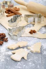 preparazione dolci biscotti di natale