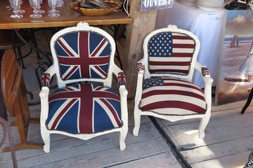 photos illustrations et vid os de fauteuils drapeau anglais et americain. Black Bedroom Furniture Sets. Home Design Ideas