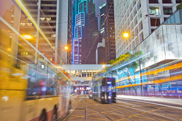Foto op Plexiglas Hong-Kong tram and bus on the road the night of Hong Kong