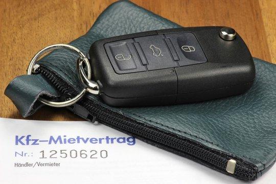 Autoschlüssel mit Kfz-Mietvertrag