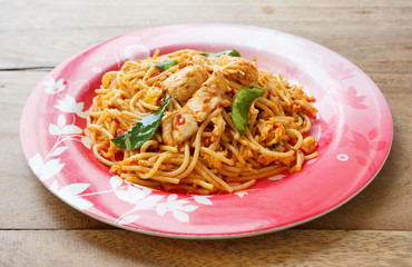 Stir Fried Spaghetti with Chicken in Chilli paste
