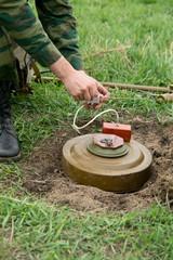 Minesweeper is preparing for a mine detonator