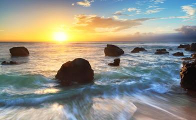 Obraz Crépuscule sur la plage de Boucan, La Réunion - fototapety do salonu