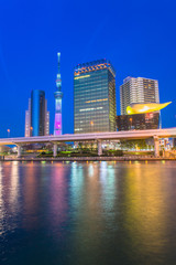 Canvas Prints Singapore View of Tokyo skyline from Sumida river