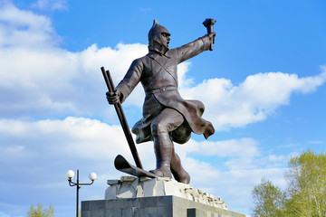 Monument to the ice transition Khabarovsk - Komsomolsk-on-Amur