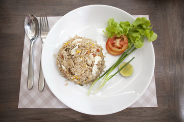 Khao phat pu, Fried rice with crabmeat silverware