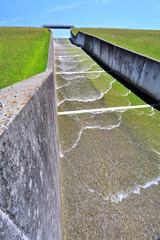 Barrage, digue, circuit eau