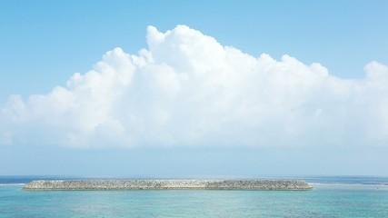 Wall Mural - 沖縄の青空と海