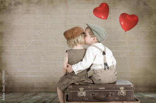 mädchen küsst ein junge
