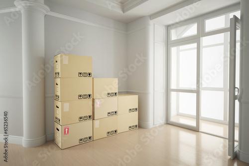 wei er raum mit umzugkartons stockfotos und lizenzfreie bilder auf bild 65236540. Black Bedroom Furniture Sets. Home Design Ideas