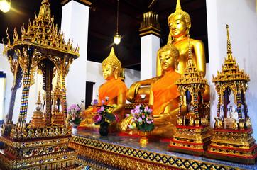 Buddha's relics at Wat Phra Sri Rattana Mahatat Woramahawihan