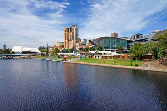 Torrens Lake and Adelaide Scenic