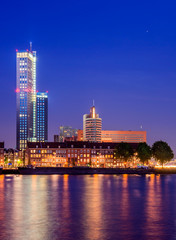 Fototapete - The Tallest Skycraper in Rotterdam