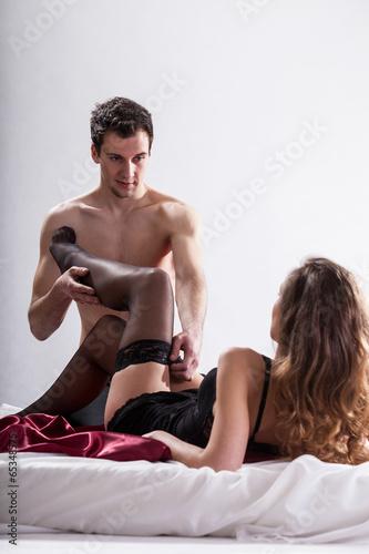 Мужики фотографируют голых любовниц в чулках  484347