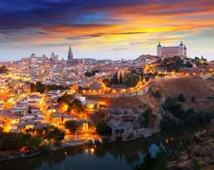 General view of Toledo from hill