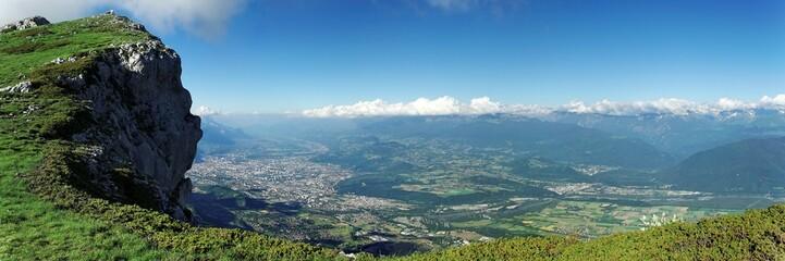 Panoramique - Vue sur la ville de Grenoble depuis le Vercors