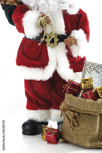 Weihnachtsmann Oder Nikolaus Figur Mit Geschenken Stock Photo And
