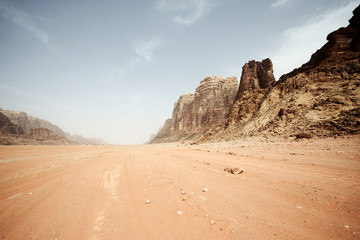 Photo on textile frame Pale violet Desert landscape - Wadi Rum, Jordan