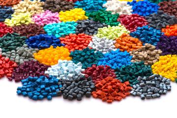 gefärbtes Plastik Granulat