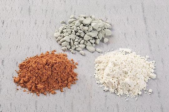 Three Differentla  Mud Powders, Red Mud, Bentonite and Green