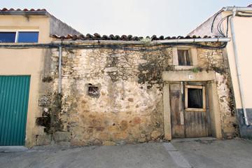 Wall Mural - Casa antigua de Guijo de Granadilla, Cáceres, España