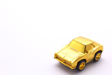 金の高級車