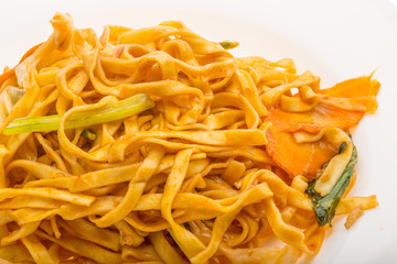 Fried noodles with vegetables