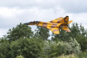 Avion chasseur modèle réduit