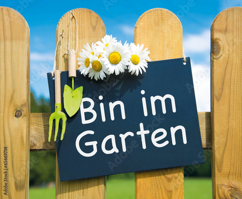 Bin Im Garten Stock Photo And Royalty Free Images On Fotoliacom