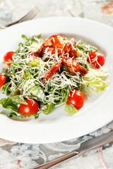 Fresh salad with shrimps