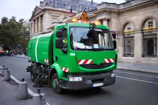 Kehrmaschine in Paris