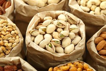 composizione pistacchi e noci miste