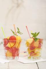 Melonen Kugel und Würfel im Glas